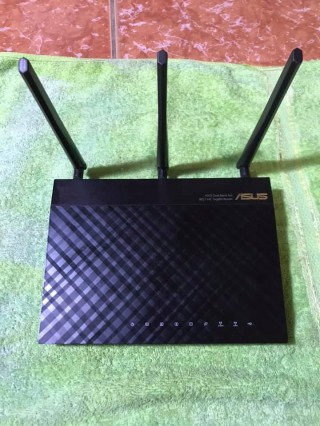 Modem Wifi Mỹ Asus RT-AC66R AC1750 Dual Band Wireless